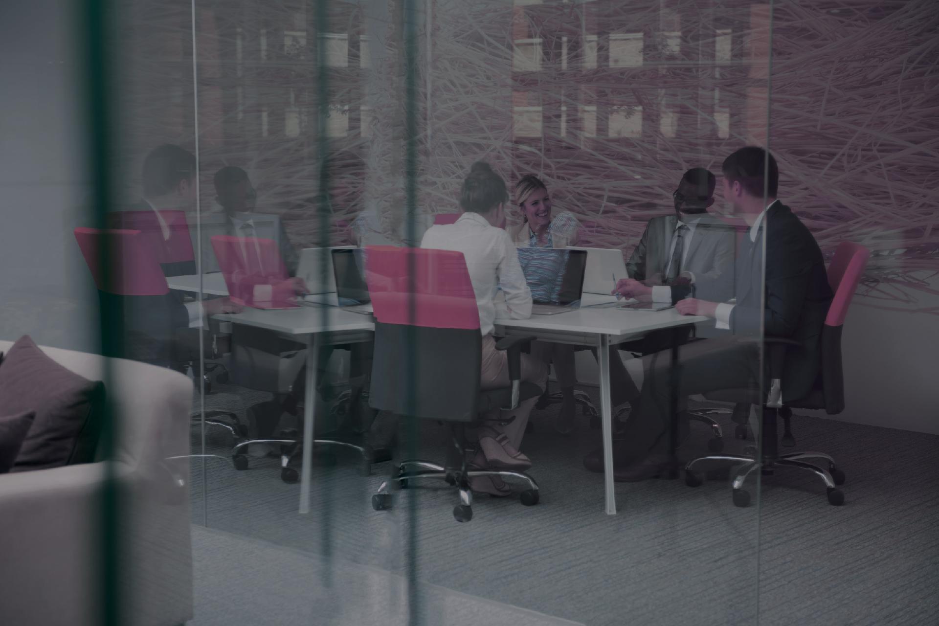 Kantoor met grijs filter bureau zorgmarketing for Bureau zorgmarketing